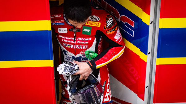 Moriwaki_Althea_Honda_Team_ARA_Sunday_Box_10